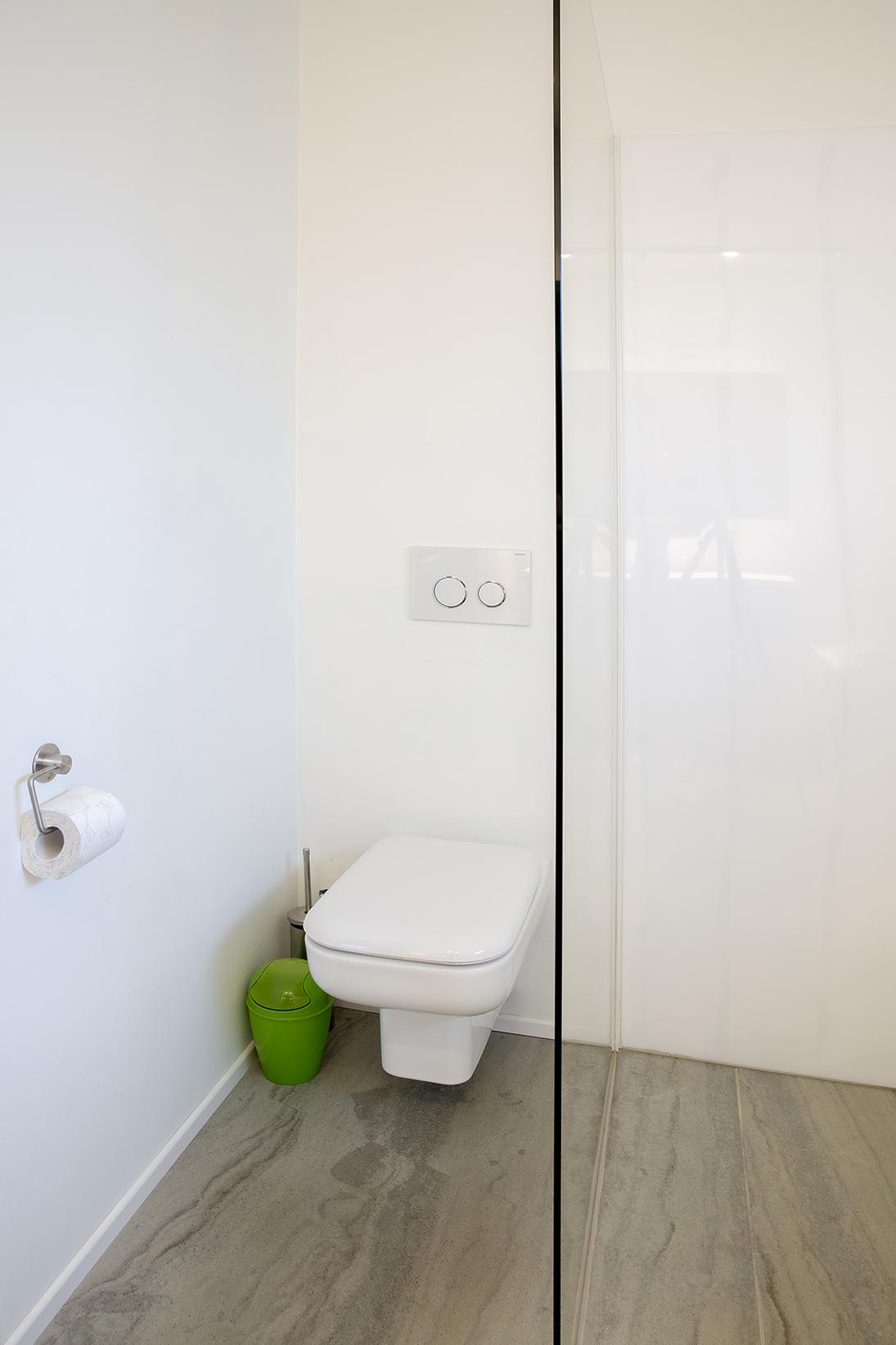 kokken-v-badkamer-hoek-517 - Kokken Renovaties